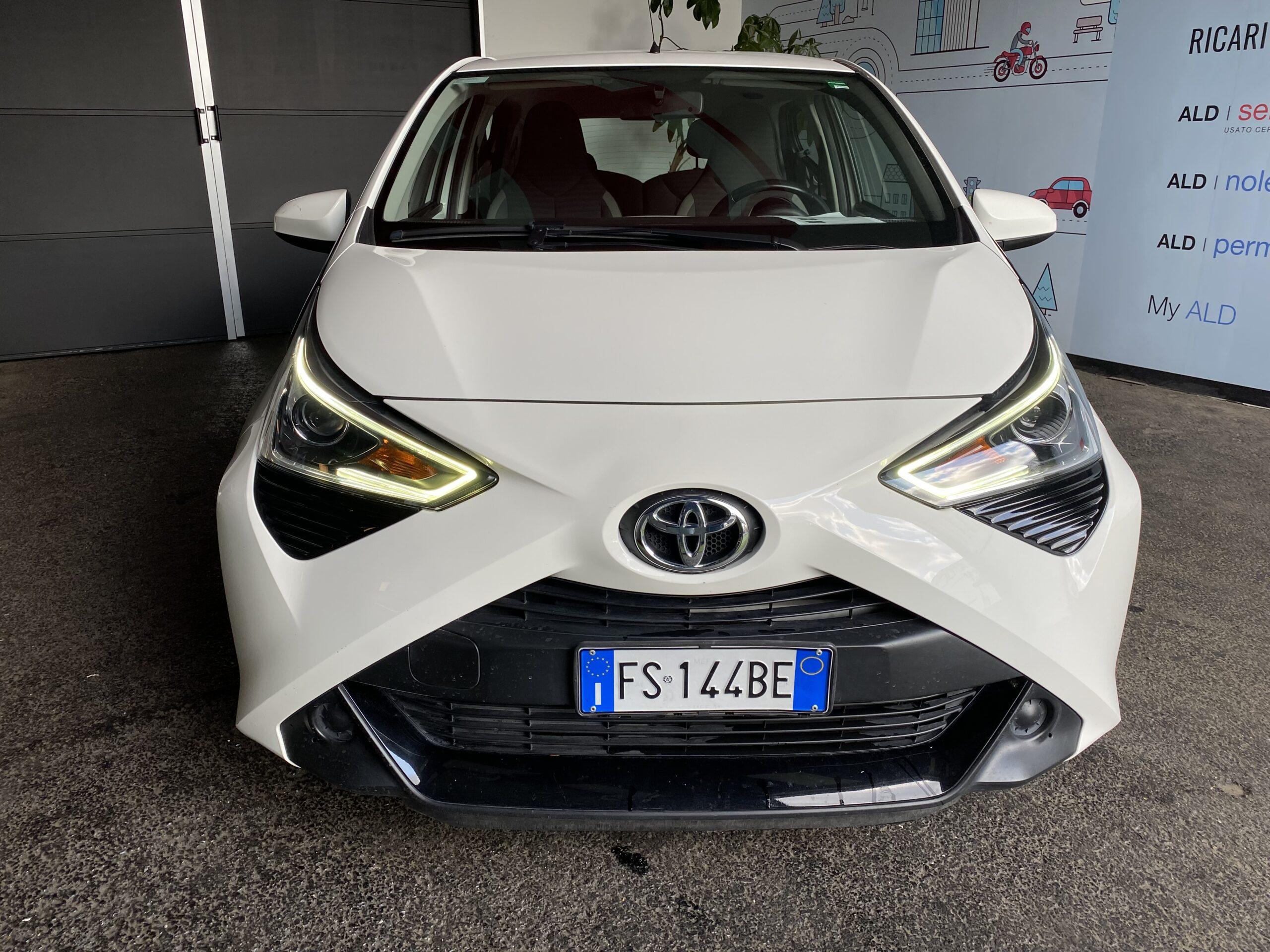toyota TOYOTA AYGO 1.0 VVT-i x-business Micro car 5-door (Euro 6.2)